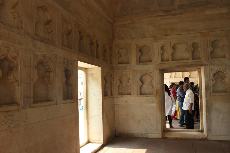 Agra 129