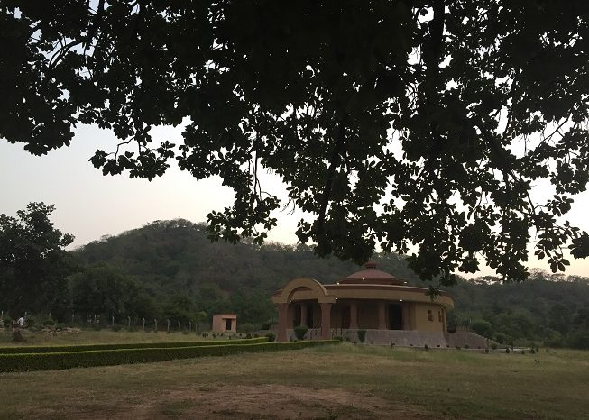 Pilgrimage 2015: Hiking in Khajuraho