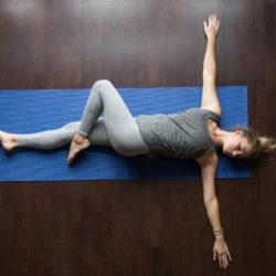 Yoga Asana-Jathara Parivartanasana